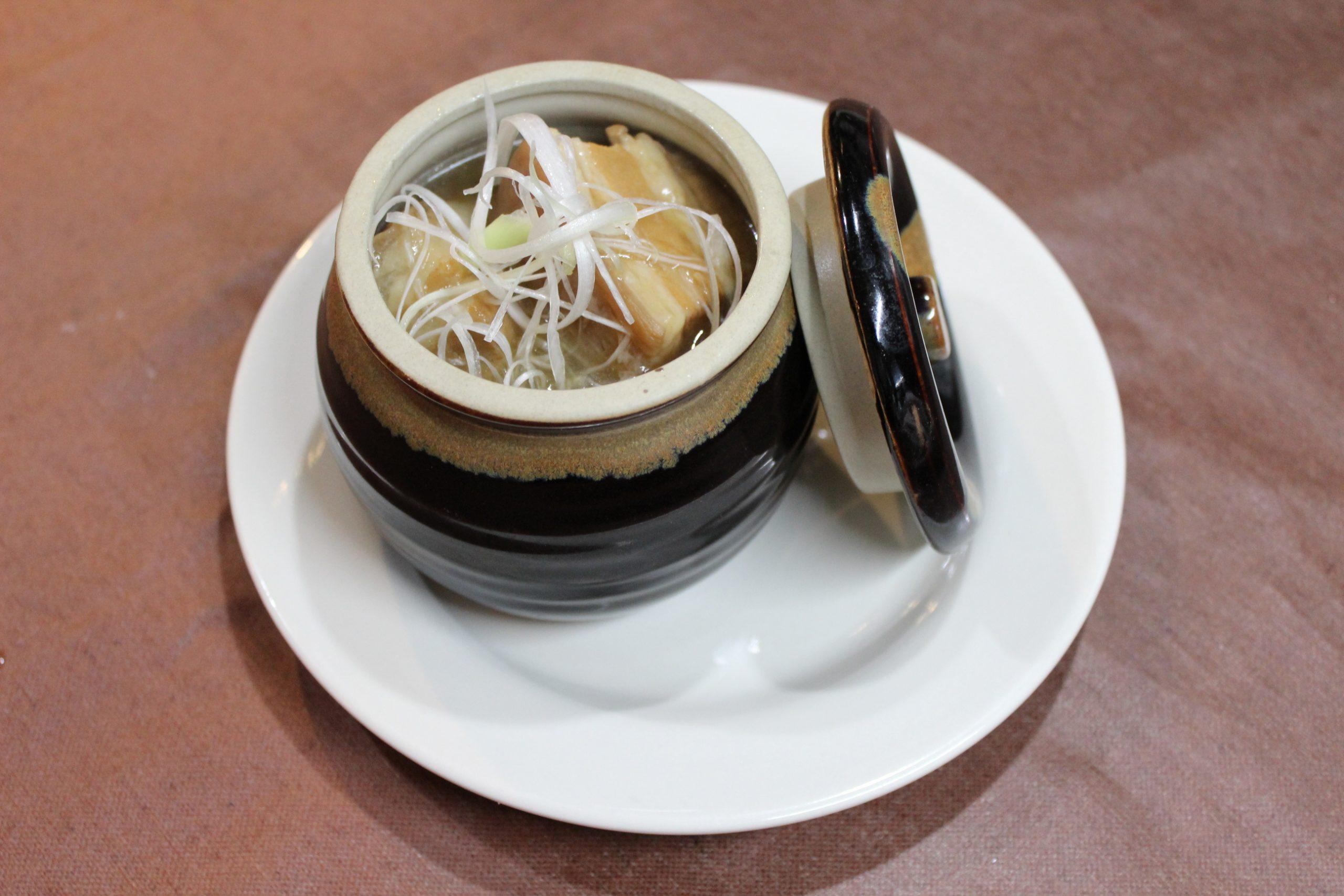 【東坡肉】豚の角煮の薬膳スープ煮込み