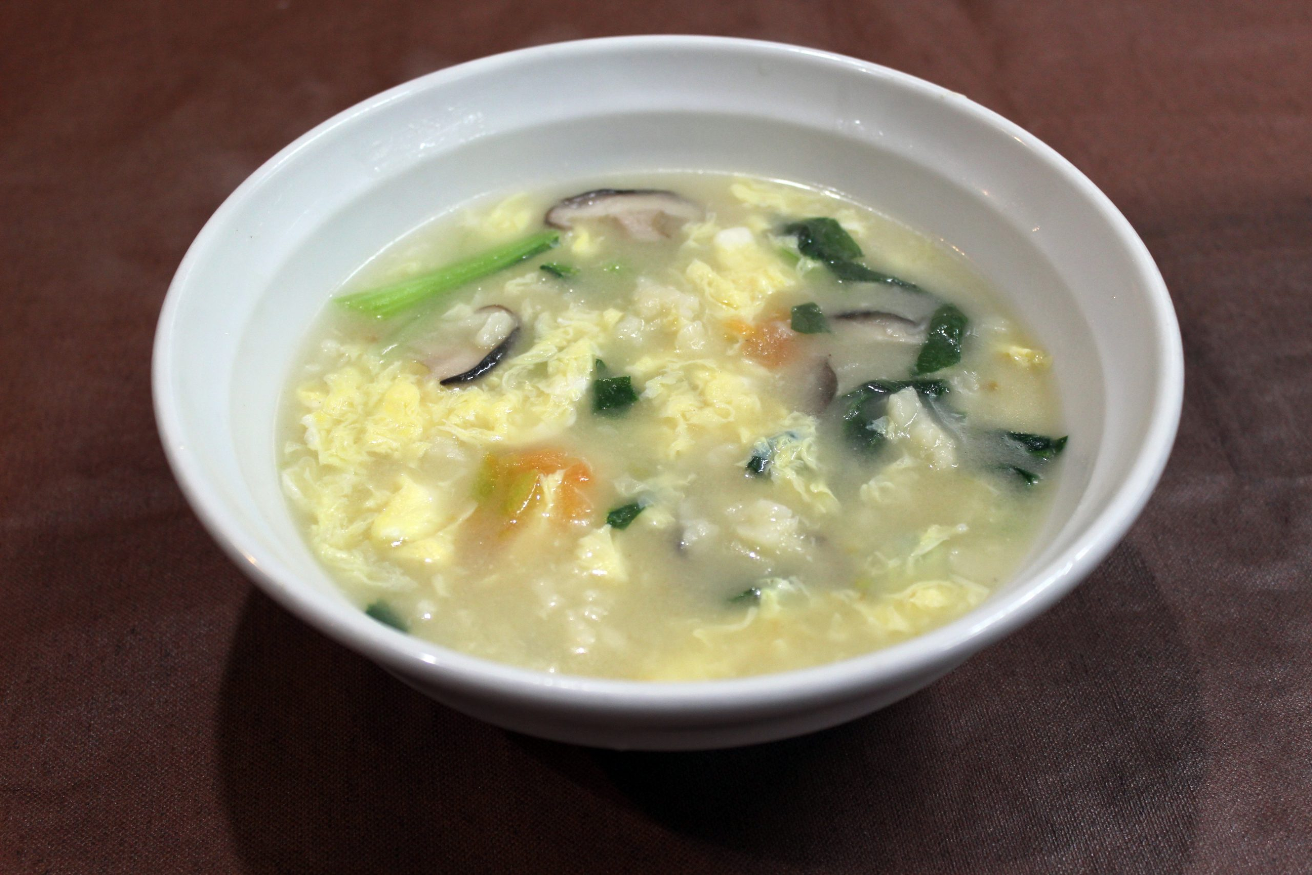 【疙瘩湯】小麦粉の団子と野菜のスープ